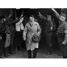 Hitler thiết lập nền chuyên chính độc tài phát xít ở Đức như thế nào?
