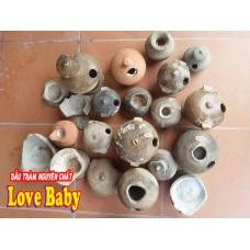 Các bình gốm phát hiện tại Chùa Thanh Dương, xã Lộc Thủy thuộc dòng gốm Phước Tích.